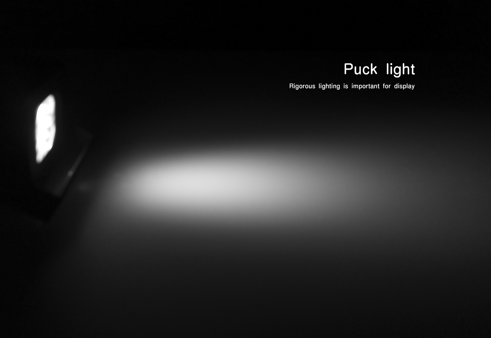 Flexible puck lights